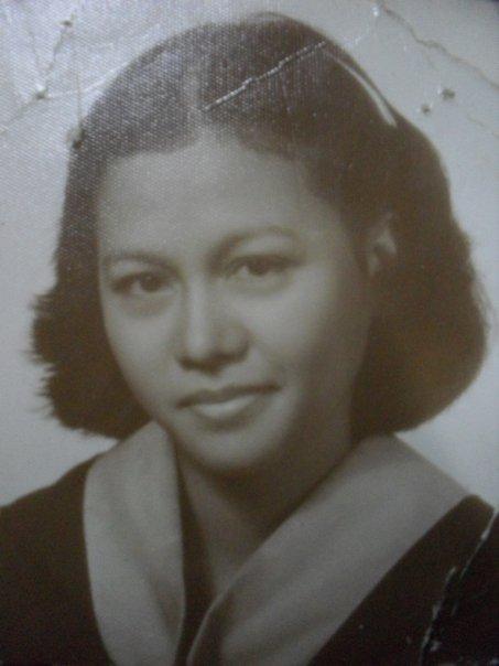 Jovita Fayen Recella-Perez; graduation picture, UST, University of Santo Tomas